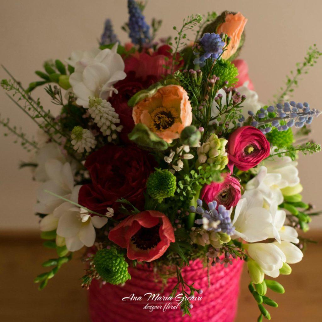 Cutie florala frezii maci, trandafiri, ranunculus